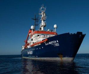 https://www.tp24.it/immagini_articoli/03-05-2021/1620046007-0-sea-watch-4-diretta-a-trapani-con-455-migranti-salvati-in-mare.jpg