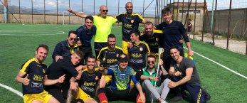 https://www.tp24.it/immagini_articoli/03-06-2019/1559582664-0-calcio-salemi-1930-promosso.jpg