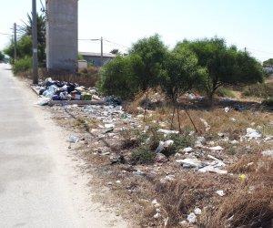 https://www.tp24.it/immagini_articoli/03-08-2018/1533285509-0-rifiuti-birgi-sottano-protestano-cittadini-codici-scrive-comune-marsala.jpg