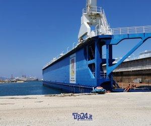 https://www.tp24.it/immagini_articoli/03-08-2019/1564808767-0-trapani-stato-totale-abbandono-cantiere-navale.jpg