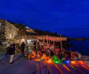 https://www.tp24.it/immagini_articoli/03-08-2020/1596466298-0-violazione-delle-norme-anti-covid-chiuso-il-bar-del-porto-a-pantelleria-polemiche.jpg