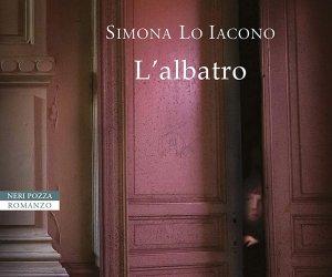 https://www.tp24.it/immagini_articoli/03-08-2020/1596468440-0-l-albatro-di-simona-lo-iacono-vince-il-premio-letterario-citta-di-erice-2020.jpg