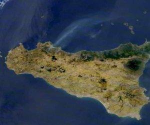 https://www.tp24.it/immagini_articoli/03-08-2021/1628002592-0-incendi-in-sicilia-cordaro-potenziata-prevenzione-con-associazioni-ambientaliste-e-sportive.jpg