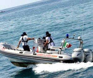 https://www.tp24.it/immagini_articoli/03-10-2019/1570098580-0-marsala-cane-rischia-annegare-mare-fortino-salvato-guardia-costiera.jpg