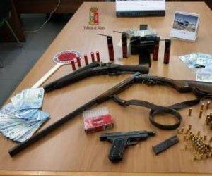 https://www.tp24.it/immagini_articoli/03-12-2018/1543842487-0-alcamo-dopo-inseguimento-gettano-dallauto-fucili-munizioni-arresti.jpg