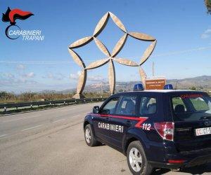 https://www.tp24.it/immagini_articoli/03-12-2019/1575378421-0-rubano-carburante-tubi-cinque-persone-arrestate-castelvetrano-gibellina.jpg