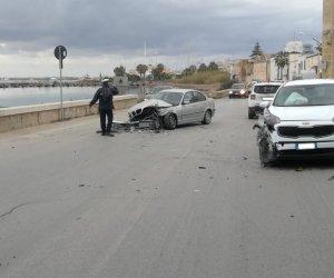 https://www.tp24.it/immagini_articoli/04-01-2020/1578152971-0-marsala-brutto-incidente-lungomare-scontrano-berlina.jpg
