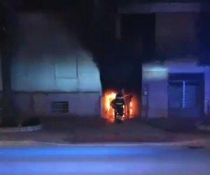 https://www.tp24.it/immagini_articoli/04-02-2020/1580815858-0-petrosino-magazzino-fiamme-auto-distrutta-forse-incendio-doloso.jpg