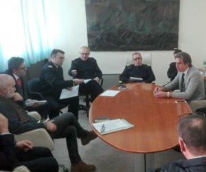 https://www.tp24.it/immagini_articoli/04-03-2016/1457101351-0-porto-di-trapani-al-via-il-tavolo-tecnico-visita-in-capitaneria-della-senatrice-orru.jpg