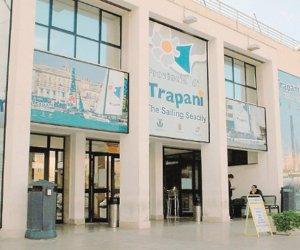 https://www.tp24.it/immagini_articoli/04-07-2018/1530689043-0-rimette-stazione-marittima-porto-trapani.jpg