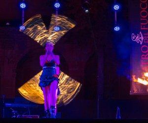 https://www.tp24.it/immagini_articoli/04-08-2018/1533392209-0-gibellina-ultimo-appuntamento-estivo-teatro-fuoco-sicilia.jpg