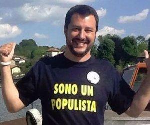 https://www.tp24.it/immagini_articoli/04-09-2019/1567590688-0-cosi-populista-salvini-scoppiato-mano-petardo-spettacolo.jpg