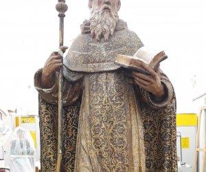 https://www.tp24.it/immagini_articoli/04-09-2019/1567615880-0-trapani-restaura-statua-santantonio-abate.jpg