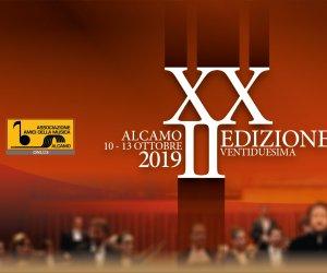 https://www.tp24.it/immagini_articoli/04-10-2019/1570185050-0-alcamo-ottobre-concorso-internazionale-cantanti-lirici.png