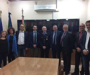 https://www.tp24.it/immagini_articoli/04-11-2019/1572856658-0-comandante-polizia-municipale-castellammare.jpg