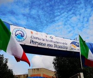 https://www.tp24.it/immagini_articoli/04-12-2018/1543885491-0-nessuno-rimanga-indietro-sport-strumento-includere-persone-disabilita.jpg
