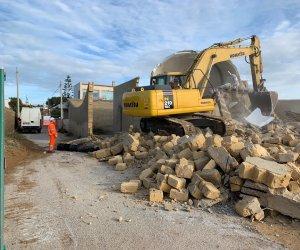 https://www.tp24.it/immagini_articoli/04-12-2018/1543942052-0-iniziate-demolizioni-triscina-ecco-proseguiranno.jpg