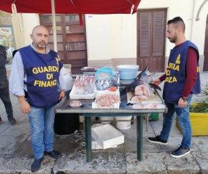 https://www.tp24.it/immagini_articoli/04-12-2019/1575457810-0-sicilia-pesce-senza-etichettatura-cattivo-stato-conservazione-denunce.jpg
