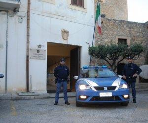 https://www.tp24.it/immagini_articoli/04-12-2019/1575483486-0-alcamo-fermato-auto-cocaina-pronta-essere-spacciata-arresto.jpg