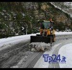 https://www.tp24.it/immagini_articoli/05-01-2019/1546688844-0-neve-provincia-trapani-ancora-disagi-spazzaneve-erice.jpg