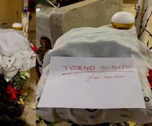 https://www.tp24.it/immagini_articoli/05-01-2020/1578220020-0-trapani-rubato-bambinello-presepe-parrocchia-sacro-cuore.jpg
