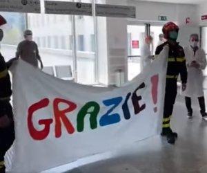 https://www.tp24.it/immagini_articoli/05-04-2020/1586085843-0-medico-marsalese-garbagnate-milanese-lomaggio-forze-dellordine.png