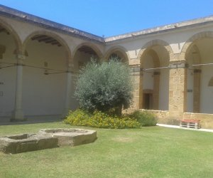 https://www.tp24.it/immagini_articoli/05-06-2020/1591344038-0-buone-nbsp-notizie-dal-mondo-della-cultura-a-marsala-riapre-il-convento-del-carmine.jpg