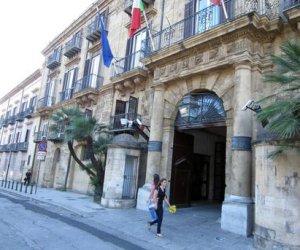 https://www.tp24.it/immagini_articoli/05-07-2019/1562344737-0-sicilia-bloccano-laccesso-server-fumo-milioni-lassurdo-spreco-regione.jpg