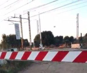 https://www.tp24.it/immagini_articoli/05-08-2018/1533447785-0-minuti-ferma-passaggio-livello-marsala-passa-nessun-treno.jpg