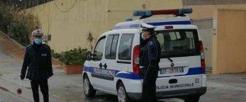 https://www.tp24.it/immagini_articoli/05-08-2021/1628172353-0-castellammare-abusivi-alla-playa-fioccano-le-multe.jpg