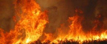 https://www.tp24.it/immagini_articoli/05-08-2021/1628190310-0-alcamo-ancora-fiamme-al-bosco-scorace.jpg