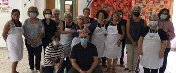 https://www.tp24.it/immagini_articoli/05-10-2020/1601851889-0-trapani-il-gruppo-nbsp-vincenziano-organizza-un-pranzo-d-asporto-per-i-bisognosi.jpg