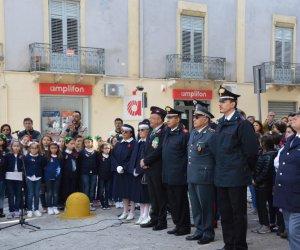https://www.tp24.it/immagini_articoli/05-11-2018/1541408736-0-castelvetrano-celebrata-giornata-dellunita-nazionale-forze-armate.jpg