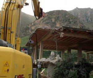 https://www.tp24.it/immagini_articoli/05-11-2018/1541408880-0-sicilia-labusivismo-edilizio-alcune-cose-sapere.jpg