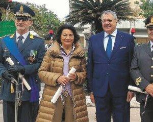 https://www.tp24.it/immagini_articoli/05-11-2018/1541457913-0-trapani-prefetto-consegna-quattro-onorificenze-conferite-capo-stato.jpg