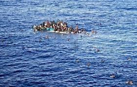 https://www.tp24.it/immagini_articoli/05-12-2018/1544000106-0-deriva-mediterraneo-giorni-senza-bere-mangiare-persone-morte.jpg