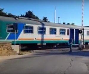 https://www.tp24.it/immagini_articoli/05-12-2018/1544022054-0-marsala-diciannove-milioni-euro-eliminare-alcuni-passaggi-livello-ferroviari.jpg