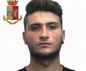https://www.tp24.it/immagini_articoli/05-12-2018/1544034262-0-ruba-unantica-villa-vespri-arrestato-trapani-ragazzo-anni.jpg
