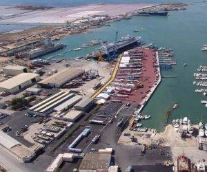 https://www.tp24.it/immagini_articoli/05-12-2019/1575555108-0-trapani-lavoratori-cantiere-navale-chiedono-tornare-lavoro-presto.jpg
