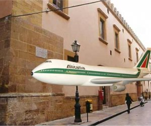 https://www.tp24.it/immagini_articoli/06-03-2020/1583516877-0-voli-alitalia-birgi-ombra-girolamo-bisticciano.jpg