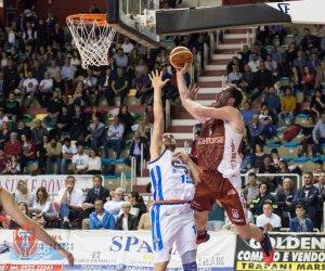https://www.tp24.it/immagini_articoli/06-05-2017/1494056919-0-basket-al-pala-conad-trapani-cede-a-treviso-72-a-80-ed-e-fuori-dai-playoff.jpg