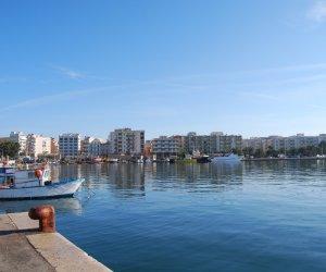 https://www.tp24.it/immagini_articoli/06-05-2020/1588798296-0-futuro-del-porto-di-marsala-oggi-la-riunione-a-palazzo-vii-aprile-con-gli-assessori-regionali.jpg