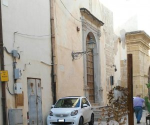 https://www.tp24.it/immagini_articoli/06-06-2019/1559856245-0-trapani-parcheggio-creativo-piazza-domenico.jpg