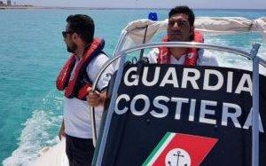 https://www.tp24.it/immagini_articoli/06-07-2018/1530886658-0-mazara-barca-vela-incagliata-navigatori-francesi-soccorsi-guardia-costiera.jpg