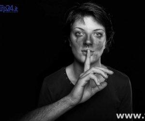 https://www.tp24.it/immagini_articoli/06-08-2017/1502034883-0-violenza-sulle-donne-parla-abbastanza.jpg