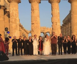 https://www.tp24.it/immagini_articoli/06-08-2018/1533541579-0-selinunte-edizione-festival-luce-teatro-musica-poesia.jpg