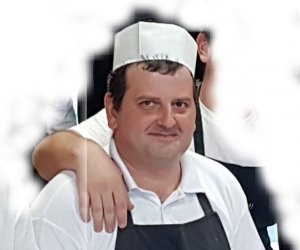 https://www.tp24.it/immagini_articoli/06-08-2018/1533545369-0-terribile-schianto-morto-chef-lorenzo-custonaci.jpg
