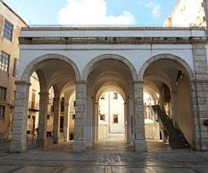 https://www.tp24.it/immagini_articoli/06-10-2018/1538816336-0-alcamo-consegnati-lavori-manutenzione-collegio-gesuiti.jpg