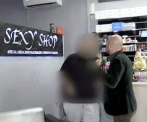 https://www.tp24.it/immagini_articoli/06-10-2019/1570396816-0-reddito-cittadinanza-comprare-porno-scoperto-sexy-shop-furbetto.jpg