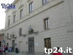 https://www.tp24.it/immagini_articoli/06-12-2018/1544075810-0-erice-catalano-tilotta-fanno-pace.jpg